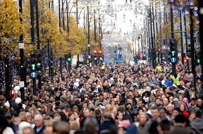 """This Holiday Season London's Streets Are """"Absolutely"""
