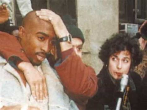 Tupac Dead Or Alive ( New Proof ) - YouTube