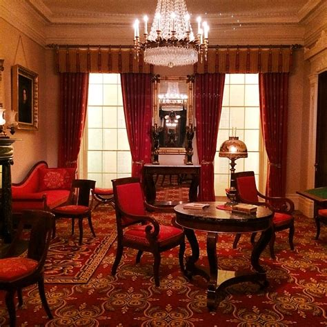 Photo of the Day: An 1835 New York City Parlor - Bethany Looi