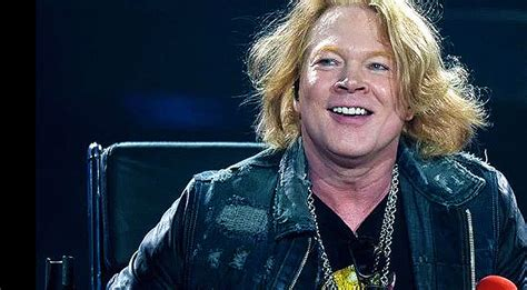 Axl Rose Reveals What Every AC/DC Fan Has In Common – Yep