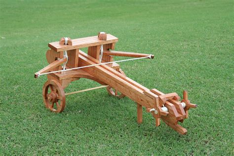 Catapults: Different Types and How They Work | hmlazar
