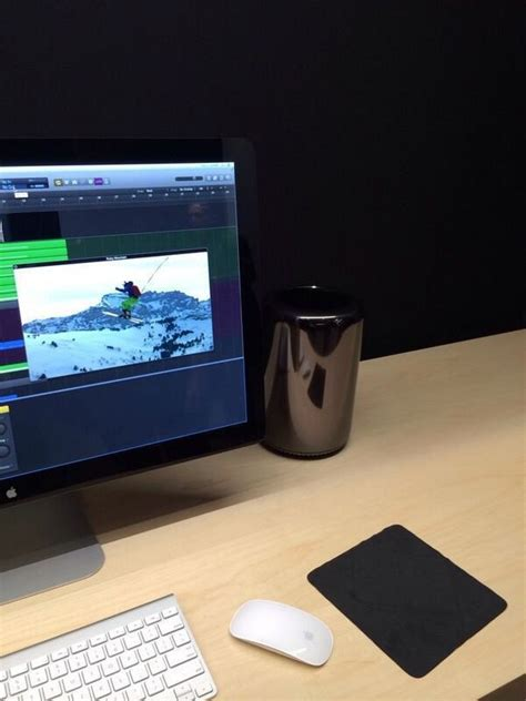 Photo: New Mac Pro Arriving at Apple Retail Stores [Fake