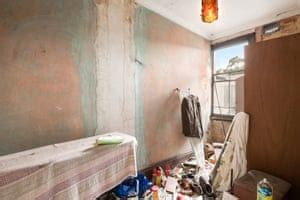 The gorgeous photos of the derelict properties you still