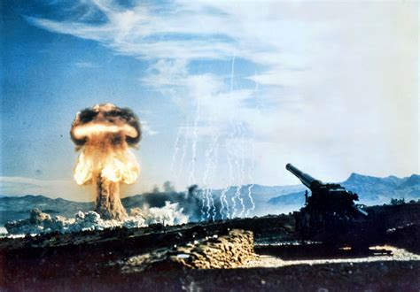 25 Awesome Nuclear Explosion Images
