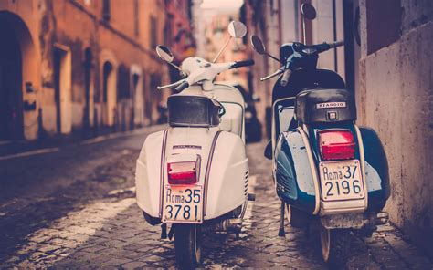 Rome on Scooter enjoy driving a vespa | Roma Bella