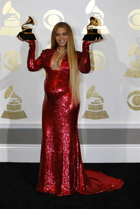 Beyonce at the 59th Grammy Awards in Los Angeles – Celeb Donut