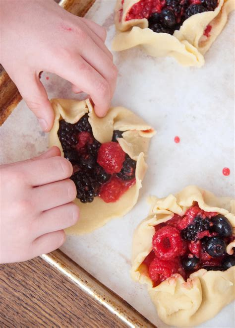 {Cooking with Friends} Making Pastry from Scratch, by eat